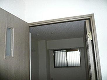 寮室 リフォーム前
